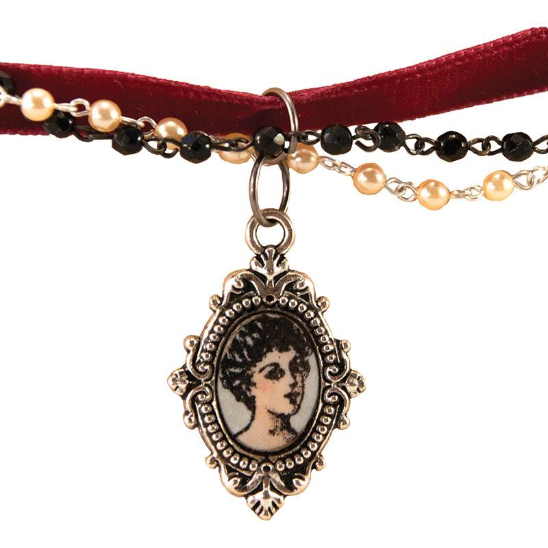 Vintage Ladies Necklace by Stephanie Lee