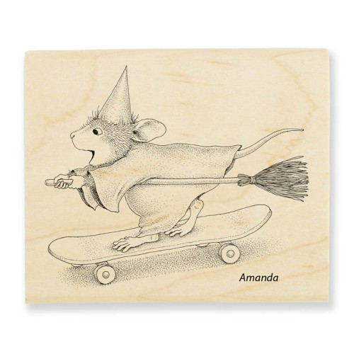 HMV22_Skateboard_Witch_800